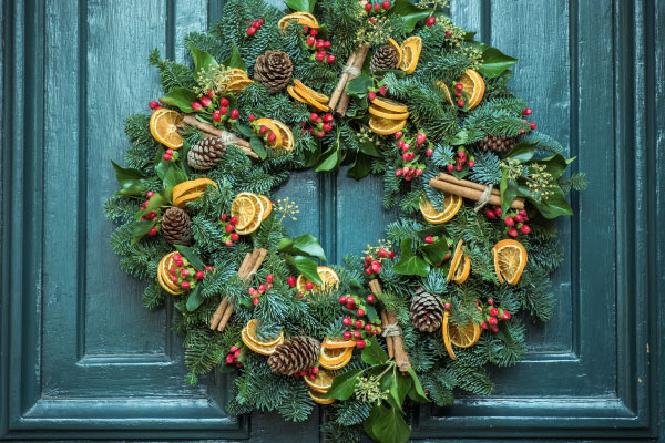 Wreath with lemons on door